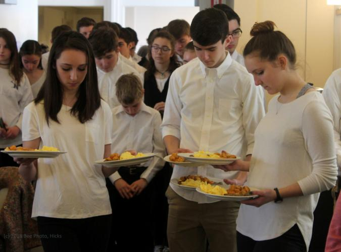 SH_NEWS-breakfast-recap-Mawdsley-Pare-Benson-during-opening-prayer.jpg