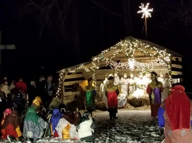 St-Rose-Live-Nativity-group-manger-by-Kerry-DeLeon.jpg