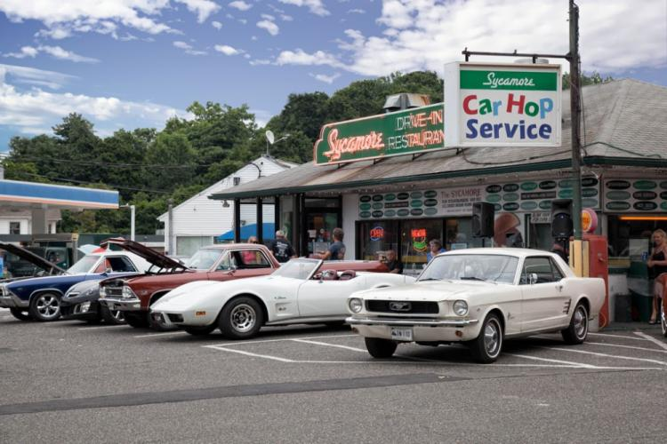 Sycamore-Drive-In-2018_-exterior-with-cars-parked.jpg