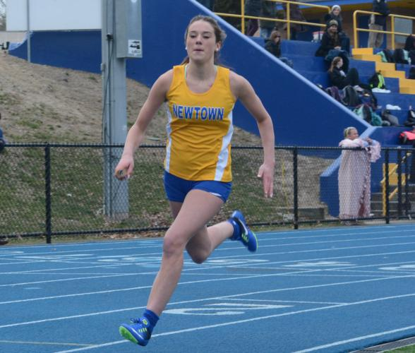 Grace Pettinelli competes in a relay race. (Bee Photo, Hutchison)