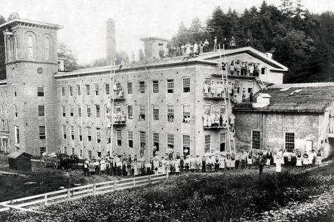 Many Irish immigrants found work in the mills in Sandy Hook in the second half of the 19th and early 20th Century, as well as settling farms and opening businesses. The Newtown Historical Society plans to honor the local Irish heritage with a…