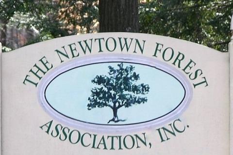 Newtown_Forest_Association_sign.JPG