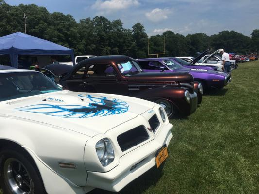 Greene County Cruisers Car Show Raises Funds For Local Family