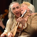 "Newberry Consort playing Elizabethan-era theatrical jigs, with Steve Player as the Shakespearean entertainer Jack Kemp, here with actress Ellen Hargis ""The wife"" on Friday. (Brian Jackson / Chicago Tribune)"