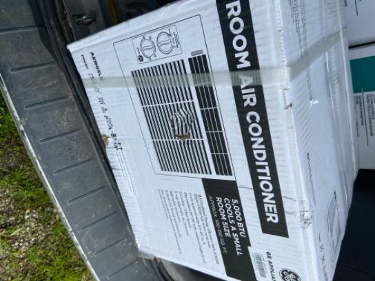 GE 5,000 Btu Window Air Conditioner AERO5LX
