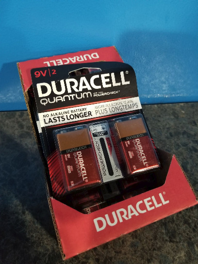 New Lot Of 24 Duracell 9v - 12 Cards Of 2 Batteries On Each Card - Exp Dec 2020