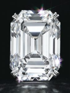 Lot 318 - A MAGNIFICENT DIAMOND RING