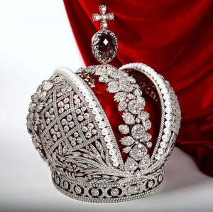Another view of the replica of the Great Imperial Crown of Russia