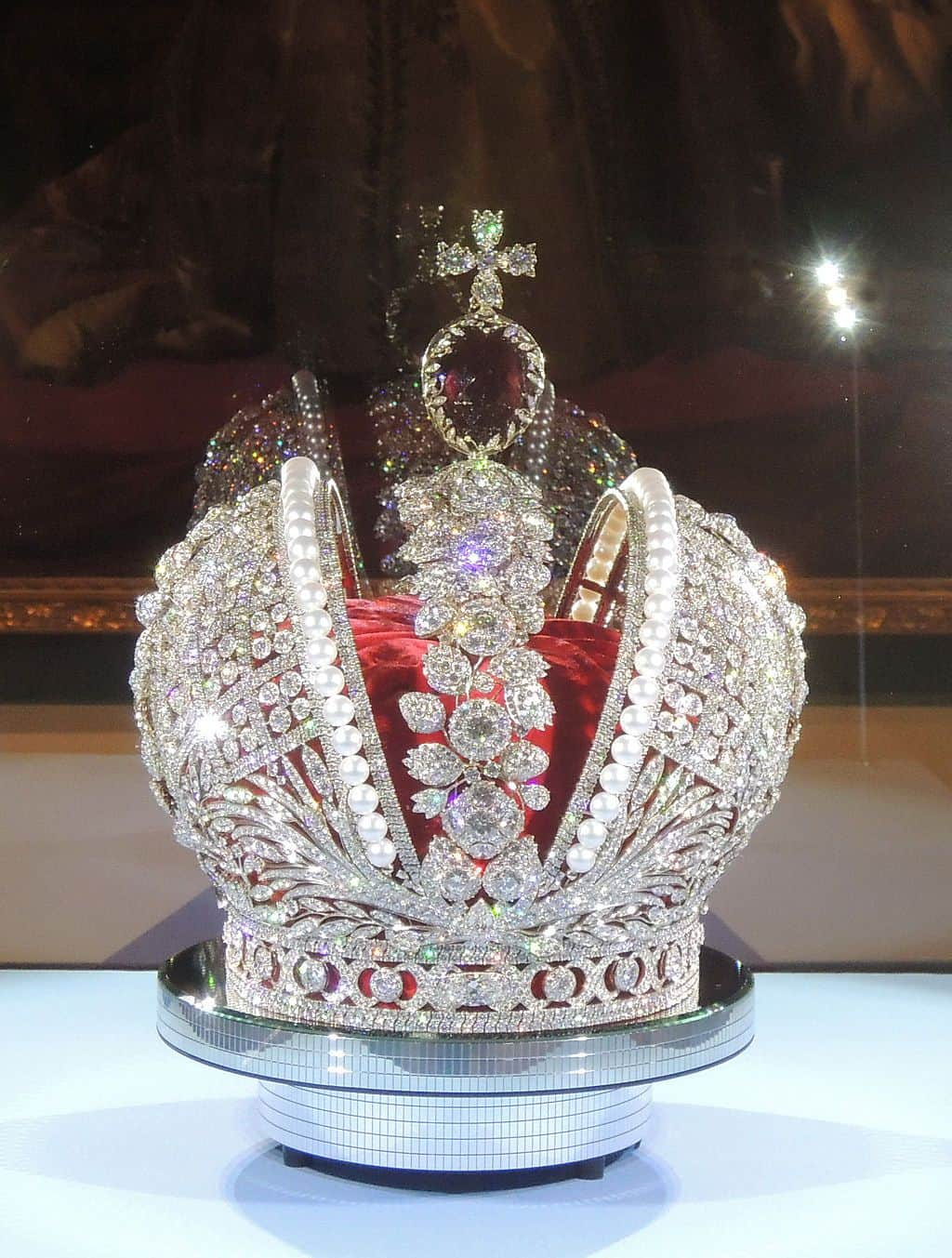 Replica of Great Imperial Crown of Russia by Smolensk Diamonds Company - Photo by Shakko
