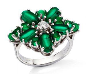 Lot 11 - Cat's Eye Dream Emerald and Diamond Ring