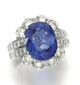 Lot 91 - Sapphire and Diamond Ring