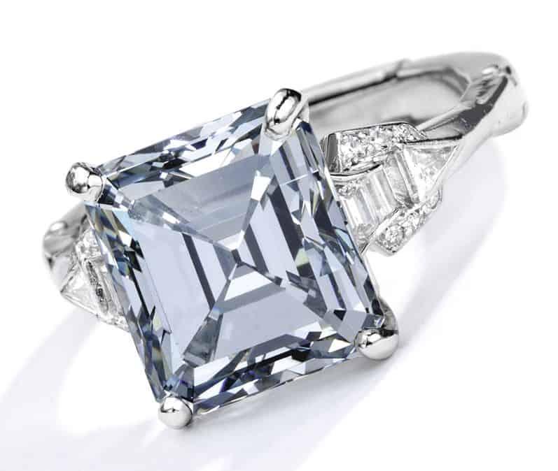 Lot 88 - Important Platinum, Fancy Gray-Blue Diamond and Diamond Ring