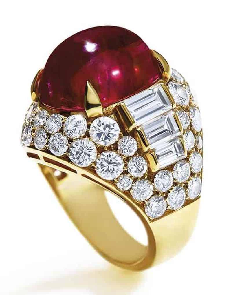 LOT 148 - AN IMPORTANT RUBY AND DIAMOND 'TROMBINO' RING, BY BULGARI