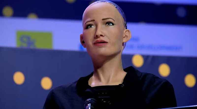 http://s3-us-west-2.amazonaws.com/newswoof/blog/wp-content/uploads/2018/02/23154120/Meet-the-worlds-foremost-lifelike-humanoid-robot-Sophia-Newswoof.jpg