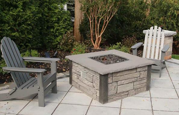 Choosing an Outdoor Fireplace or Fire Pit