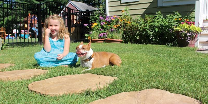 Stepping Stones Create a Beautiful Backyard Oasis