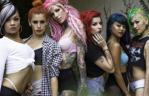 Bambu Suicide (pictured center, w/pink hair)