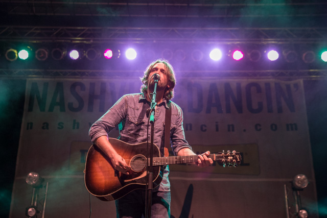Hayes Carll.  Photo by Sundel Perry.