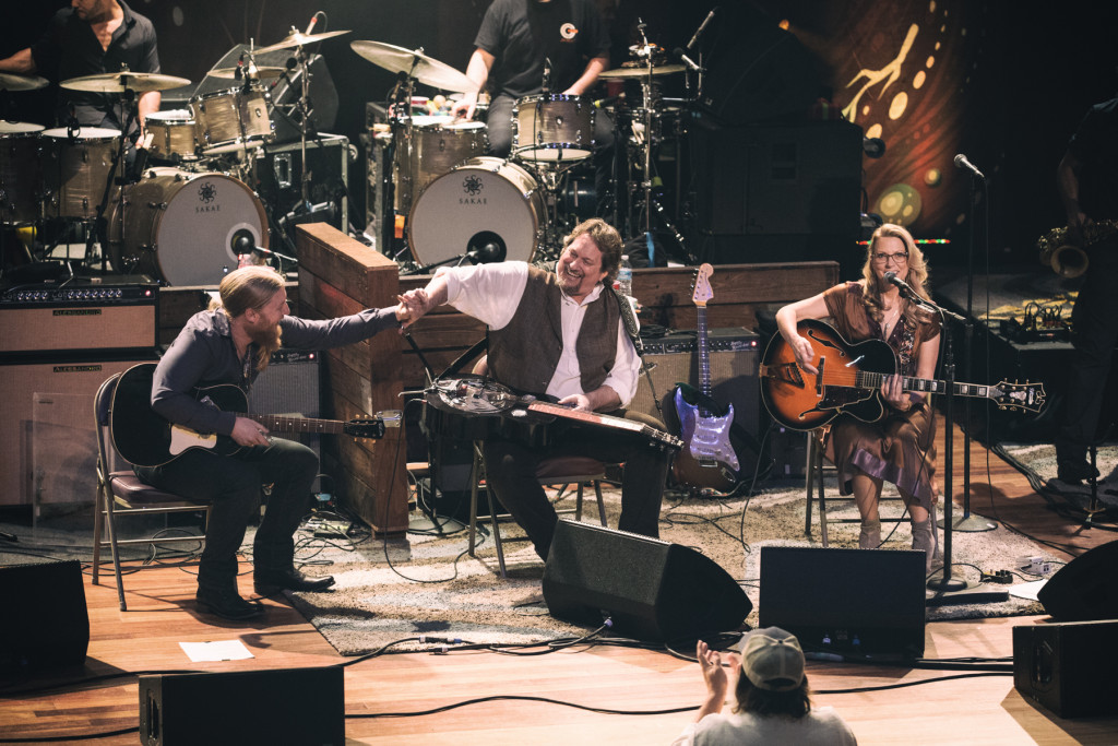 Tedeschi Trucks Band w/ Jerry Douglas.  Photo by Sundel Perry.