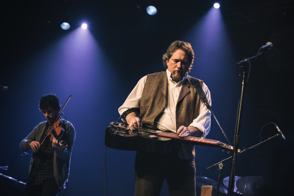 Jerry Douglas.  Photo by Sundel Perry.