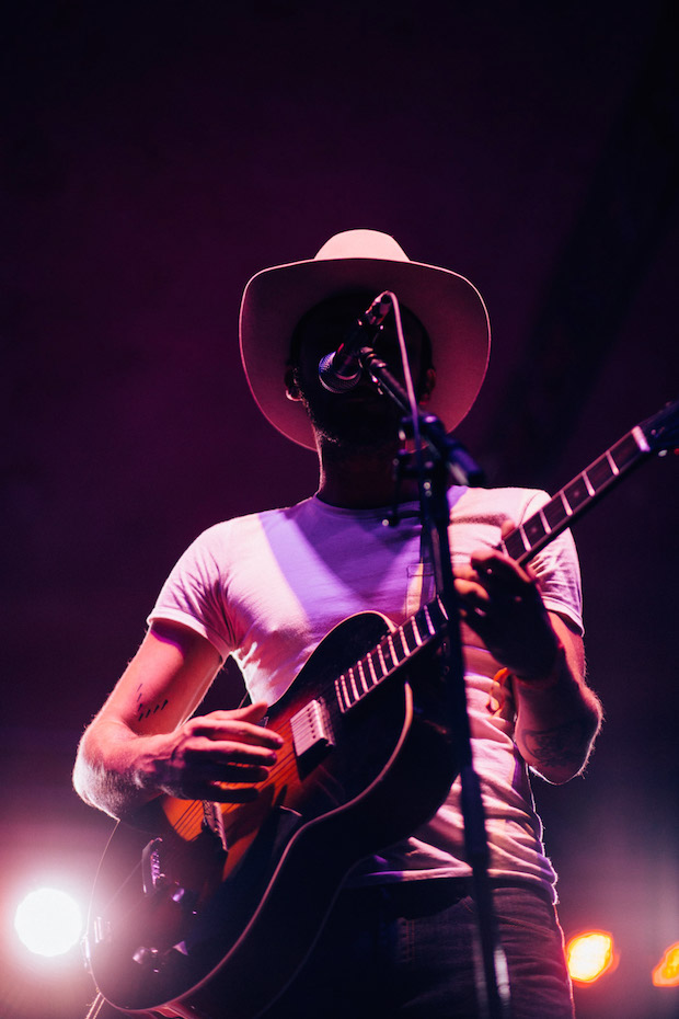 LOTG_Week1_ShakeyGraves