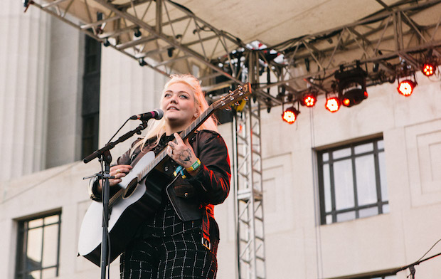 Elle King-LOTG-2015-body