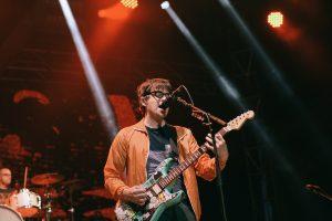 10-6 Weezer_-200