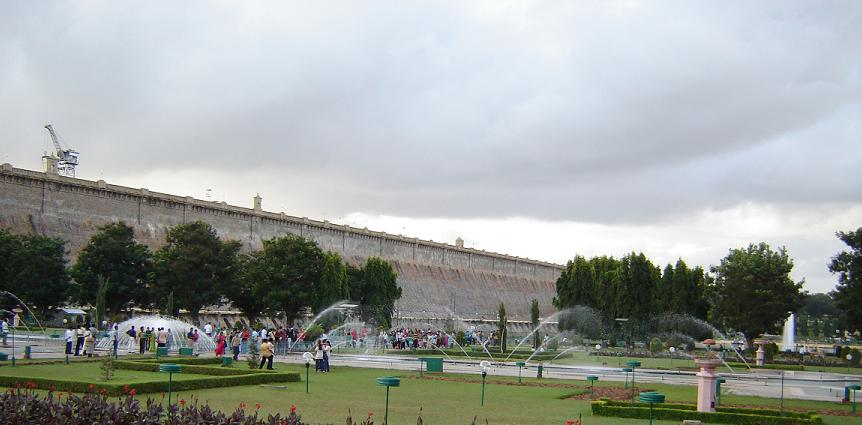 India for kids: KRS dam in Mysore
