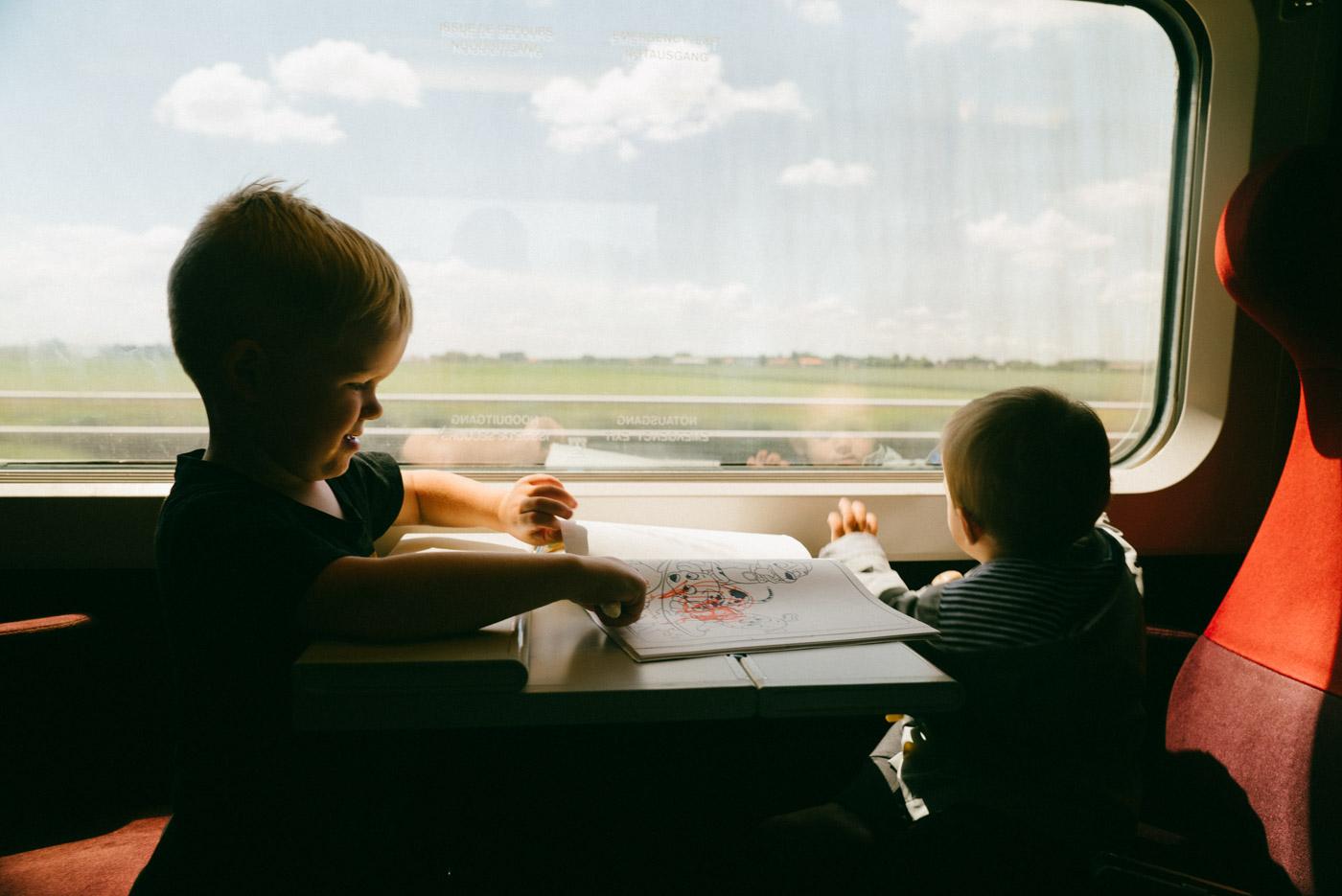 family travel kids train