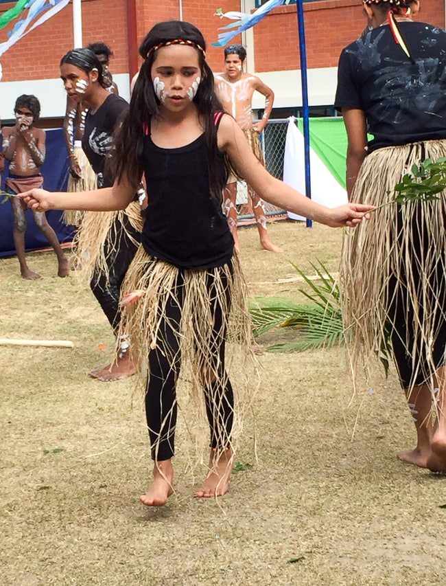Australia for Kids: Traditional dance