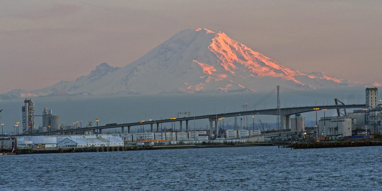 https://s3-us-west-2.amazonaws.com/nwtt-offload/wp-content/uploads/2019/04/10153640/1Mount-Rainier-West-Seattle-Bridge-1280x640.jpg