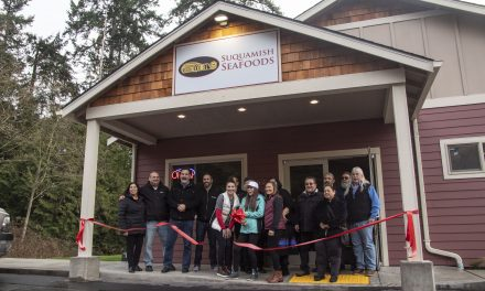 Suquamish Sells Fresh, Live and Frozen Seafood at New Location