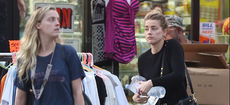 """強尼德普前妻Amber Heard居然窮到去""""一元店""""購物?!"""