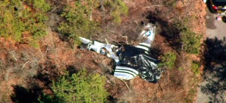 小型飛機紐約長島墜毀,兩死一重傷