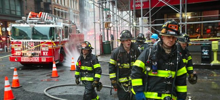 曼哈頓下城11街驚傳爆炸案!上班尖峰期警消立即前往!