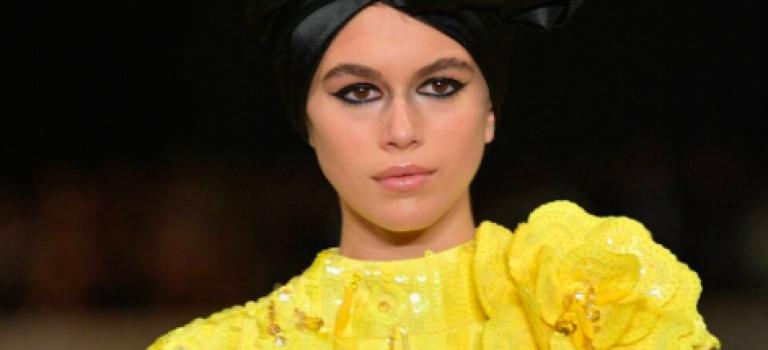你不能不知道的超模接班人只有16歲!Marc Jacobs用她當秀的壓軸!