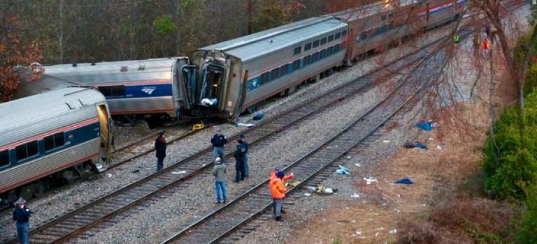 超誇張!美國客運列車又脫軌:紐約開往邁阿密,2人死亡!