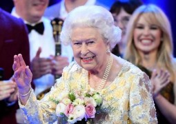【潮Video】英國女王92歲生日派對現場竟是這個樣子!規模不輸奧斯卡、格萊美😱