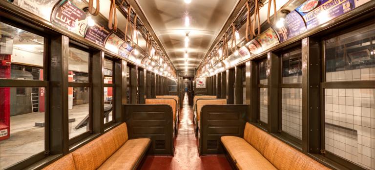 这个周末,你可以搭乘一百年前的复古纽约地铁出行