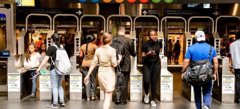 Bye MetroCard~~明年五月,地铁刷卡新系统终于要来了!