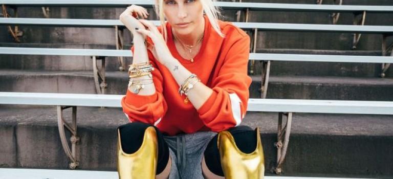 就因為一根衛生棉條,她沒了雙腿,卻成為紐約時裝週最亮眼的模特