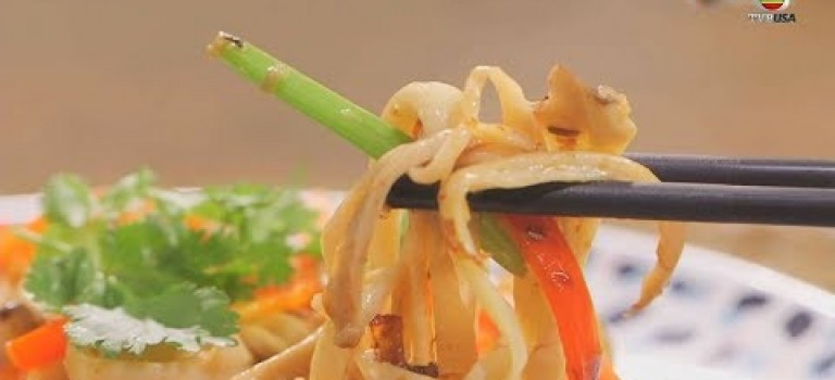 肥媽食譜 | 手撕雞髀菇