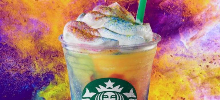 手慢無!星巴克推出全新限定飲品:紮染星冰樂,快去嘗!