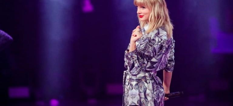 【完整視頻】來了來了!Taylor Swift驚喜現身雙11晚會!連唱3首超有亮點!
