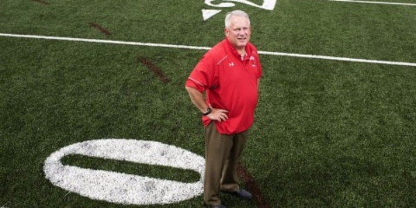 The-Guy-Who-Left-His-Prestigious-Law-Firm-to-Become-a-Division-III-Football-Coach