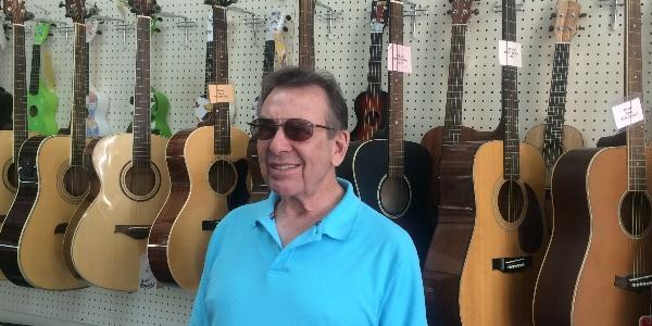 Blind-Music-Store-Owner-Sees-the-Power-of-Prayer