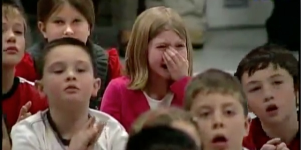 Little Girl's Heart-melting Reaction to Soldier-Daddy's Surprise Homecoming