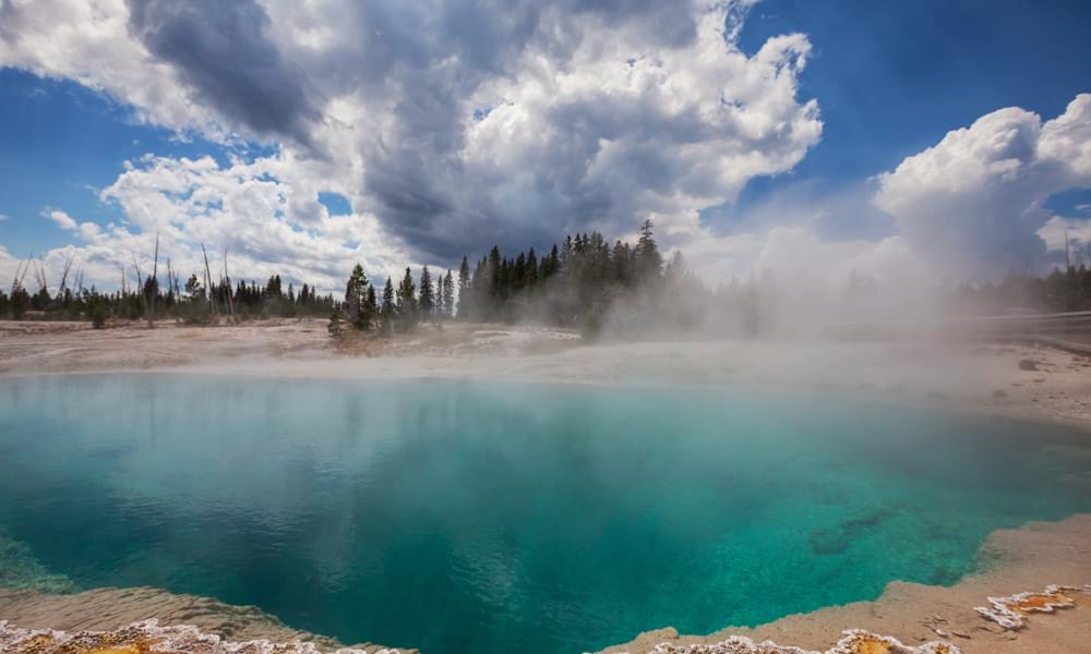 blue funnel spring yellowstone