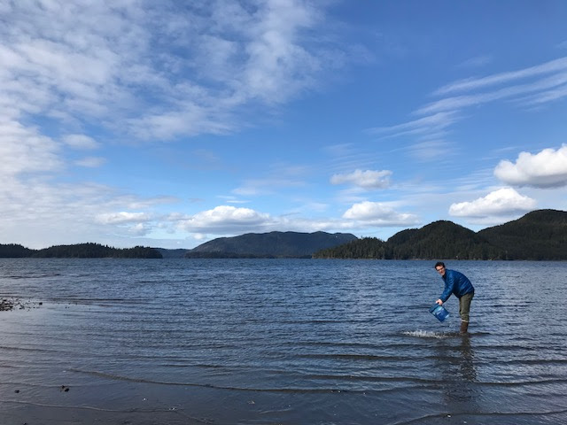 2017-18 fellow, Nat Haslett, clamming in Starrigavan Bay.