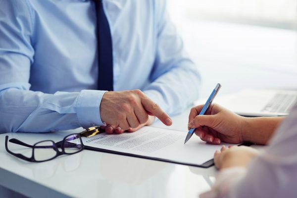 Contrato de trabajo: antes de firmarlo, ¡verifica que tenga estos datos!